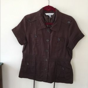 Lucy and Laurel brown short sleeve anorak. L
